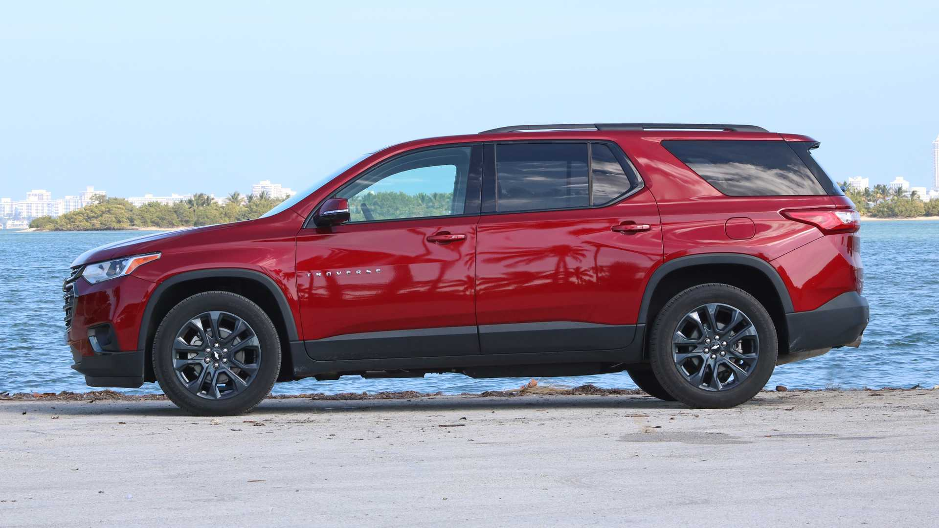 2019 Chevrolet Traverse vs  2019 Honda Pilot Comparison: 3