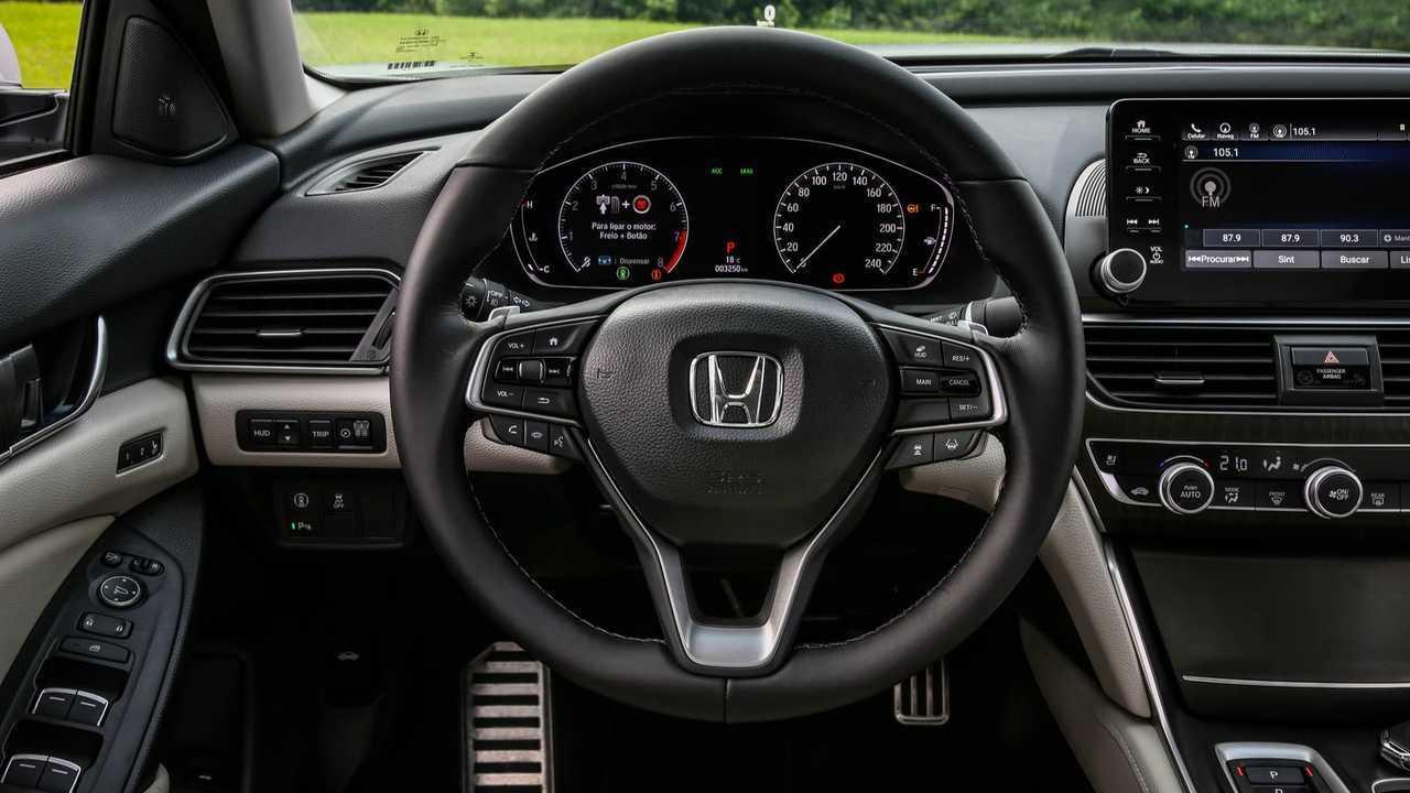 Teste Instrumentado: Honda Accord Touring 2019 faz frente aos alemães? Volante-do-novo-accord-2019