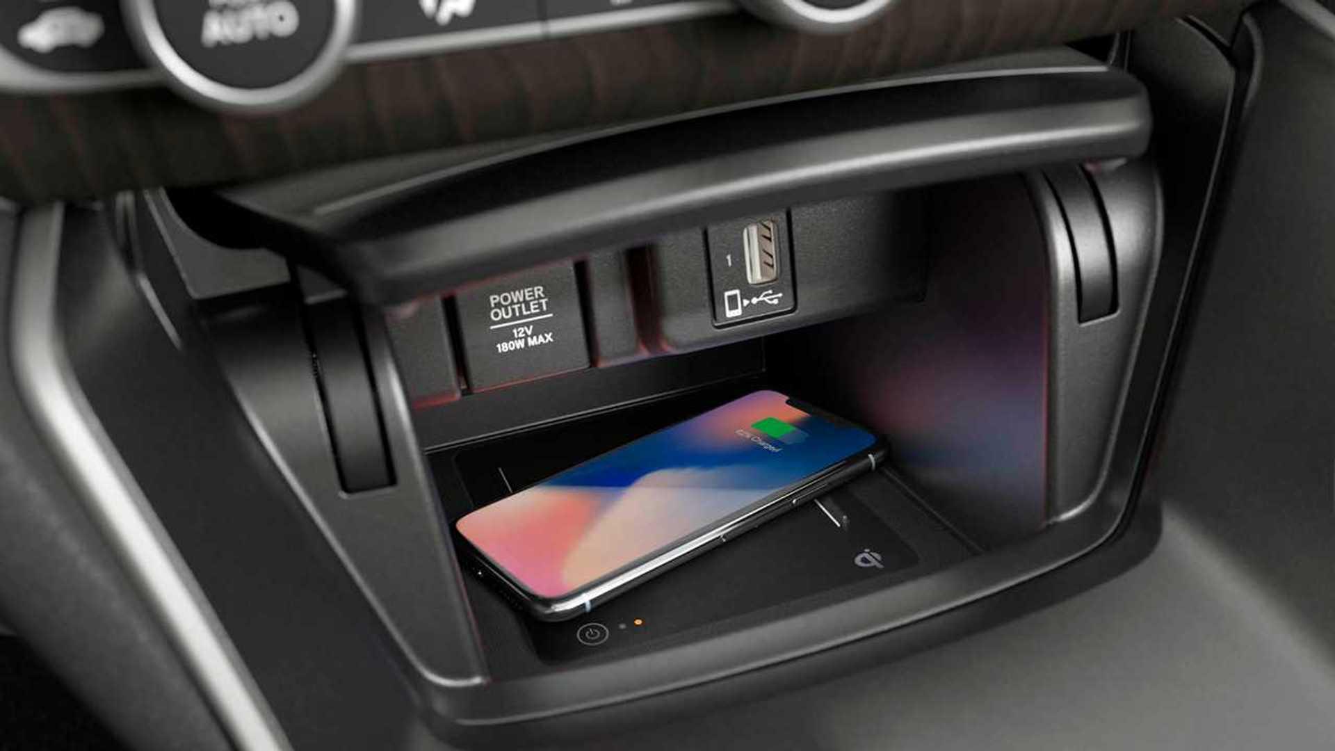 Teste Instrumentado: Honda Accord Touring 2019 faz frente aos alemães? Carregador-celular-sem-fio-do-accord