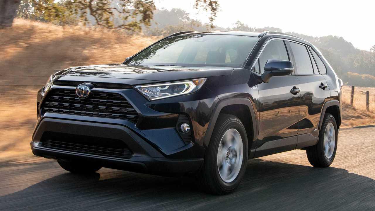 2019 Toyota RAV4 Hybrid: Review