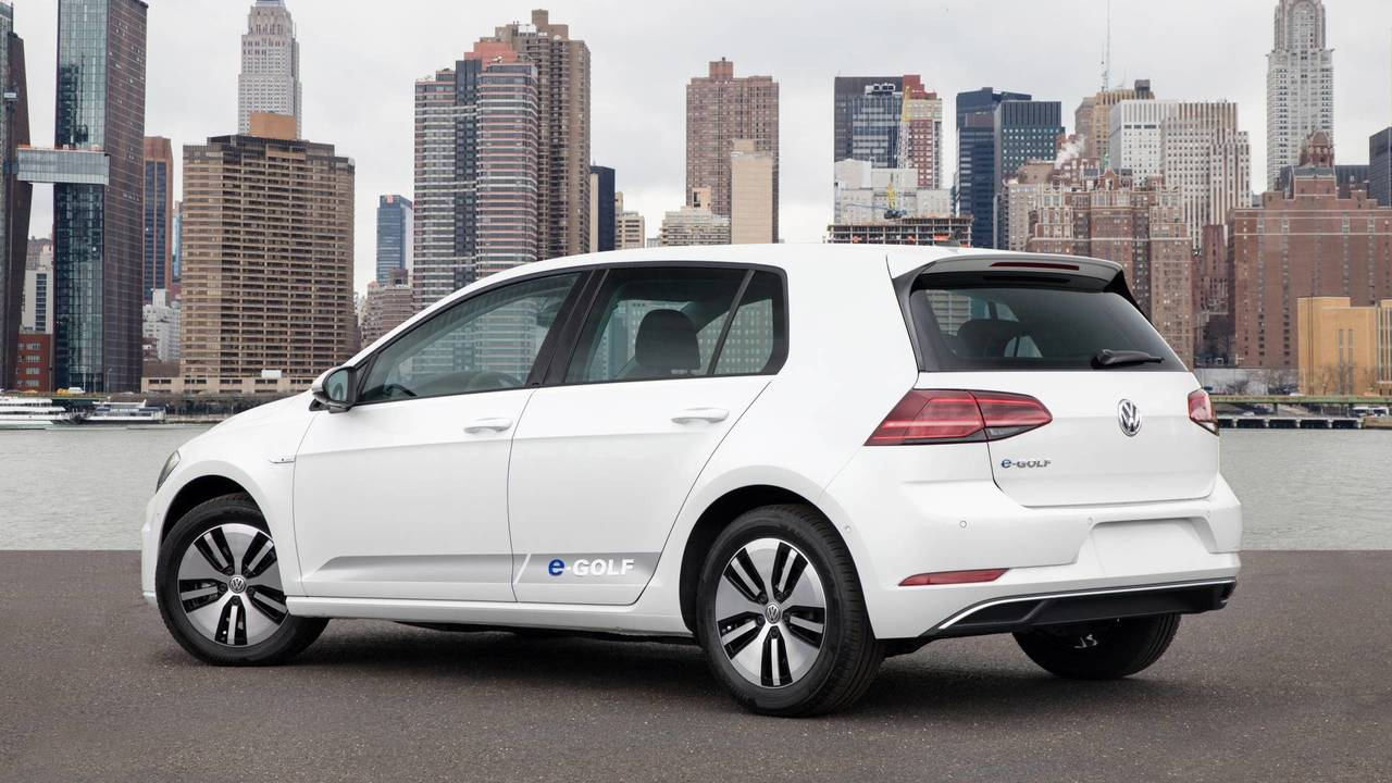 6. Volkswagen e-Golf