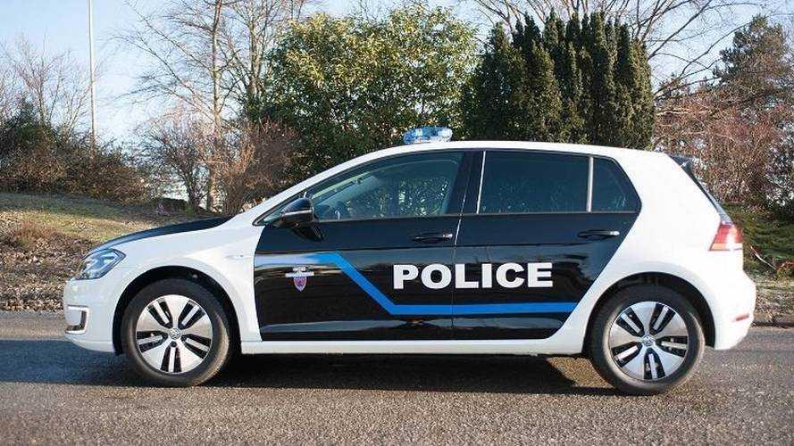 La police de Paris accueille des Golf électriques