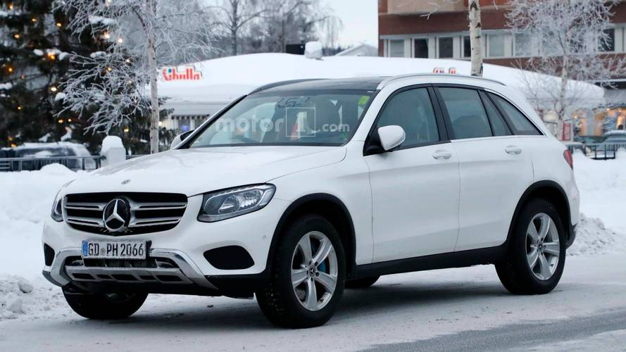 New Mercedes Benz Glc Class Interior Spied For First Time