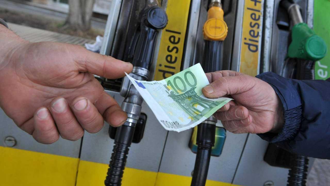 IVA e accise benzina in aumento nel 2019, un incubo per gli automobilisti
