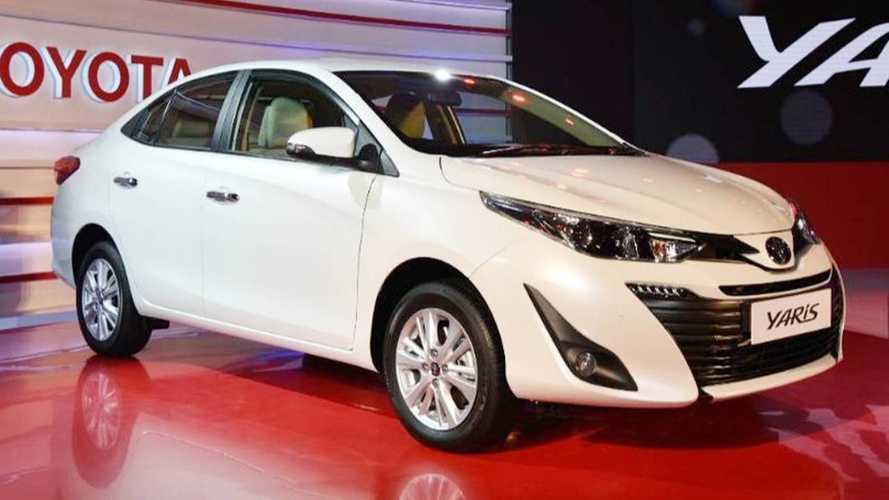 Cotado para o Brasil, Toyota Yaris sedã estreia na Índia
