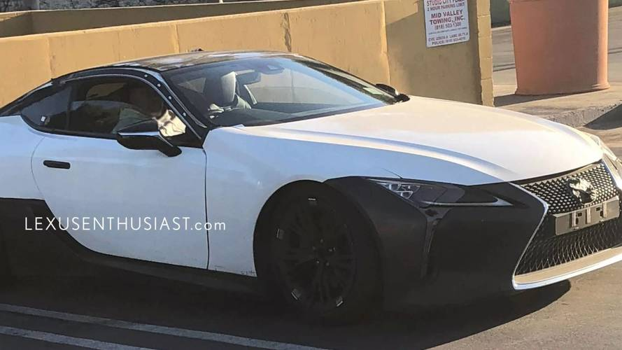 Possible prototype de la Lexus LC F photos espion