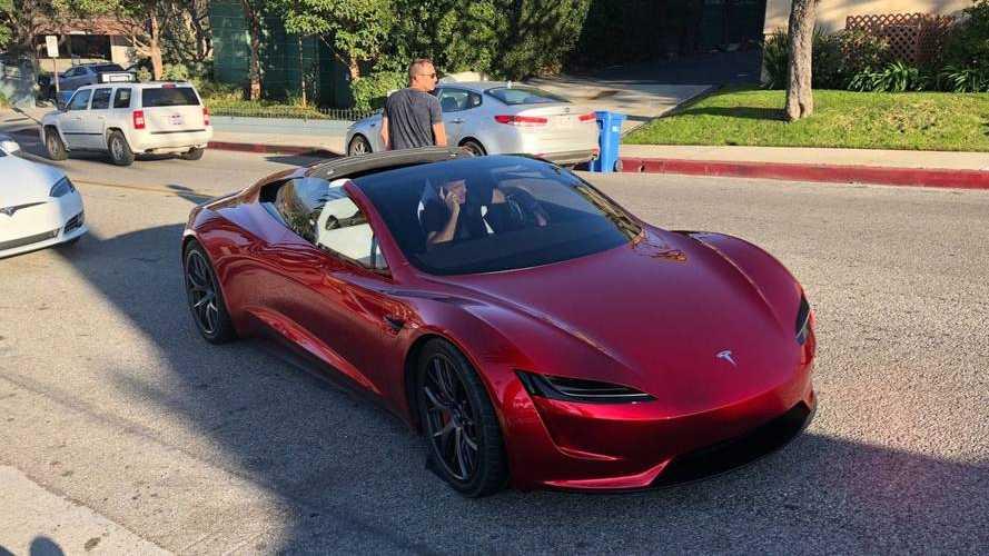 Première sortie ratée pour le Roadster de Tesla