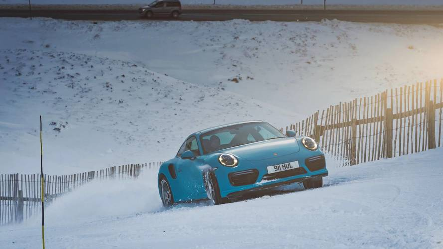 Porsche 911 Turbo S kar parkuru