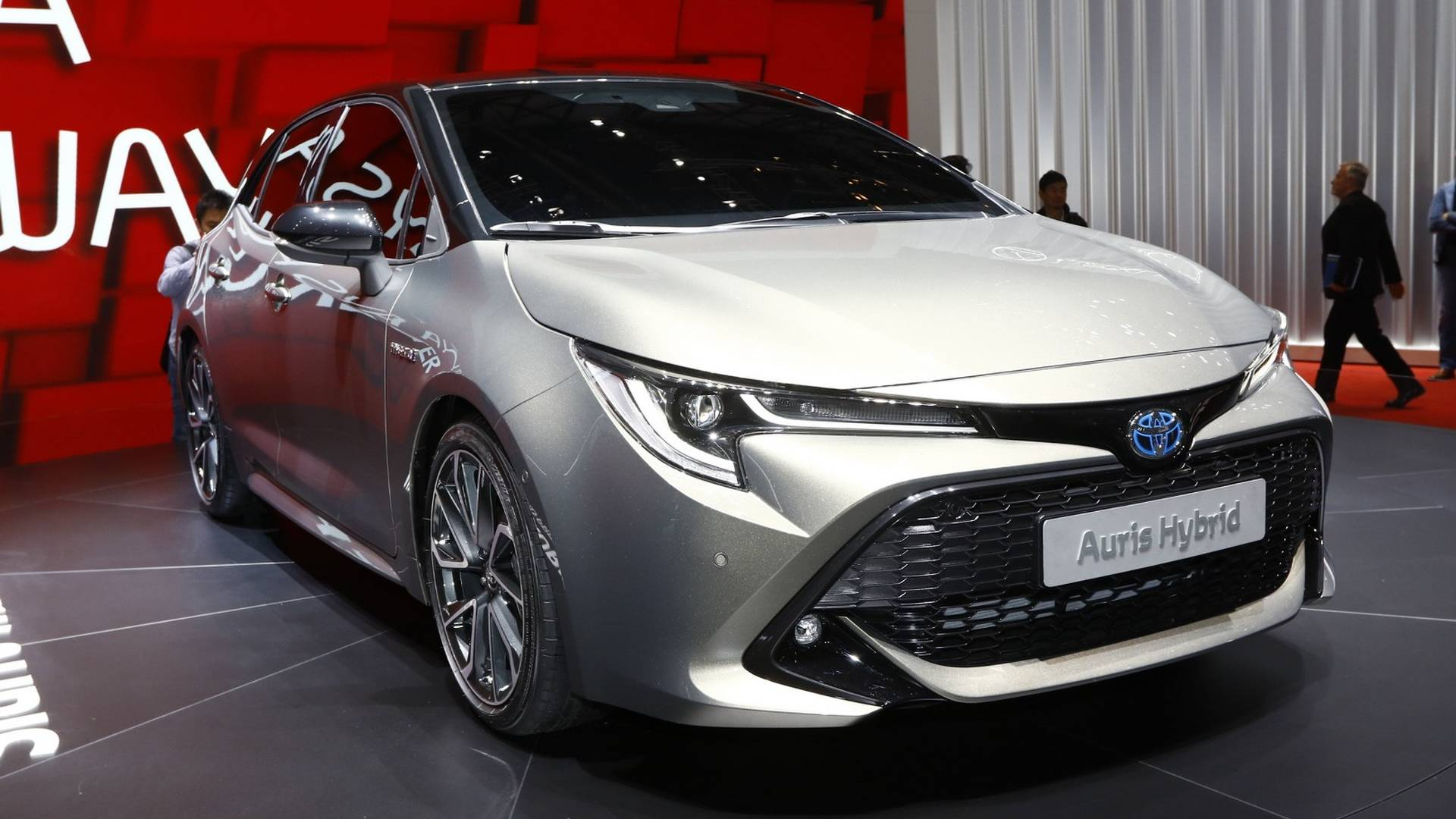 New Toyota Auris Debuts Brand S New Dual Hybrid Strategy