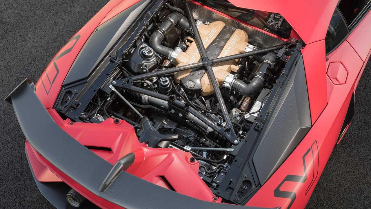 Le 7 Case auto che montano ancora motori V12