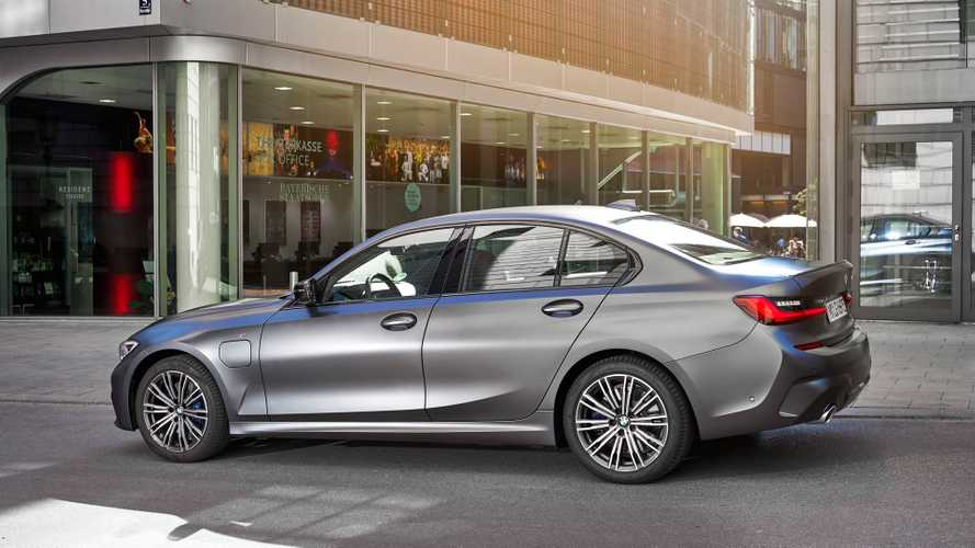 Rumor Mill: BMW 330e PHEV To Get 320e Version Next Year