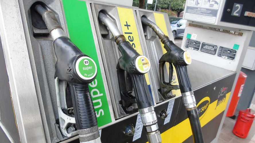 Prezzo benzina, aumenti in vista causa stop al petrolio dall'Iran