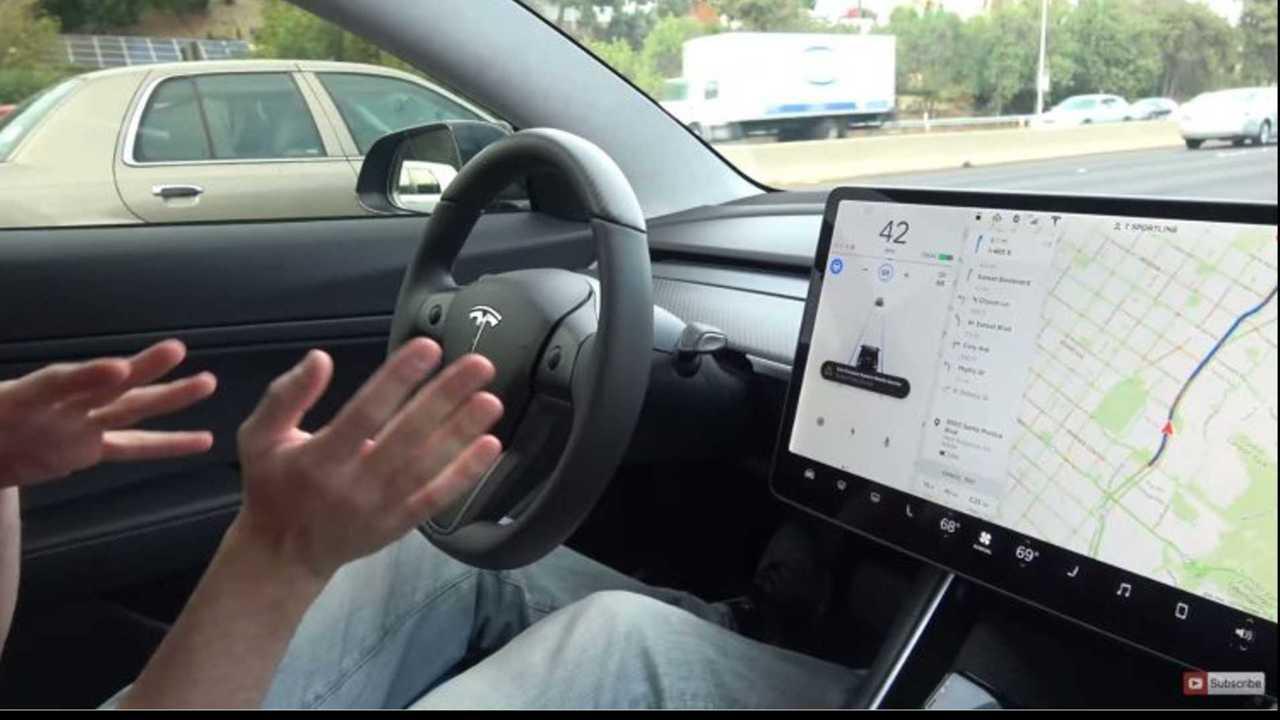 Tesla autonoma nuova