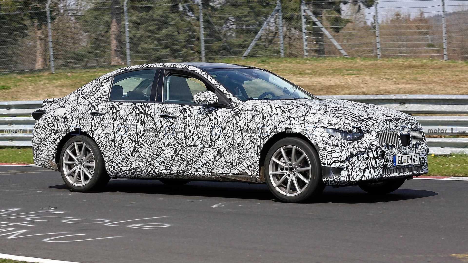 Novo Mercedes-Benz Classe C será apresentado em setembro de 2020 Mercedes-benz-c-class-sedan-spy-shots
