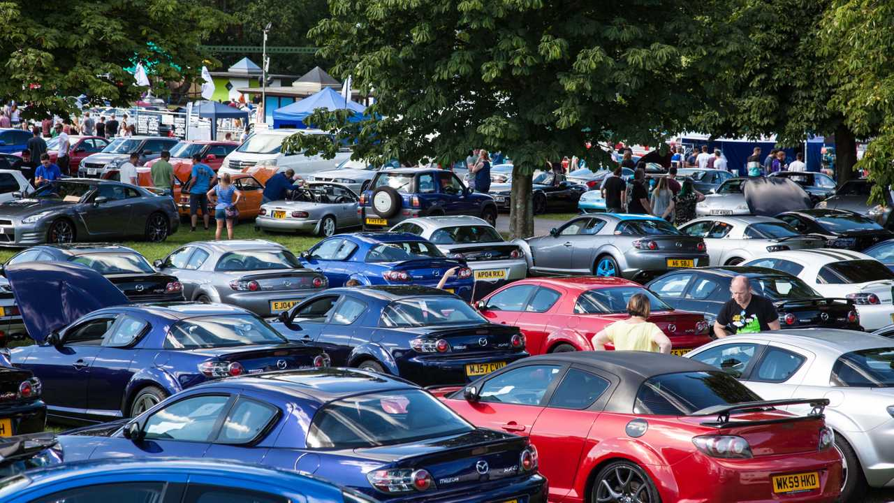 Simply Japanese Event Celebrates MX-5 And GT-R
