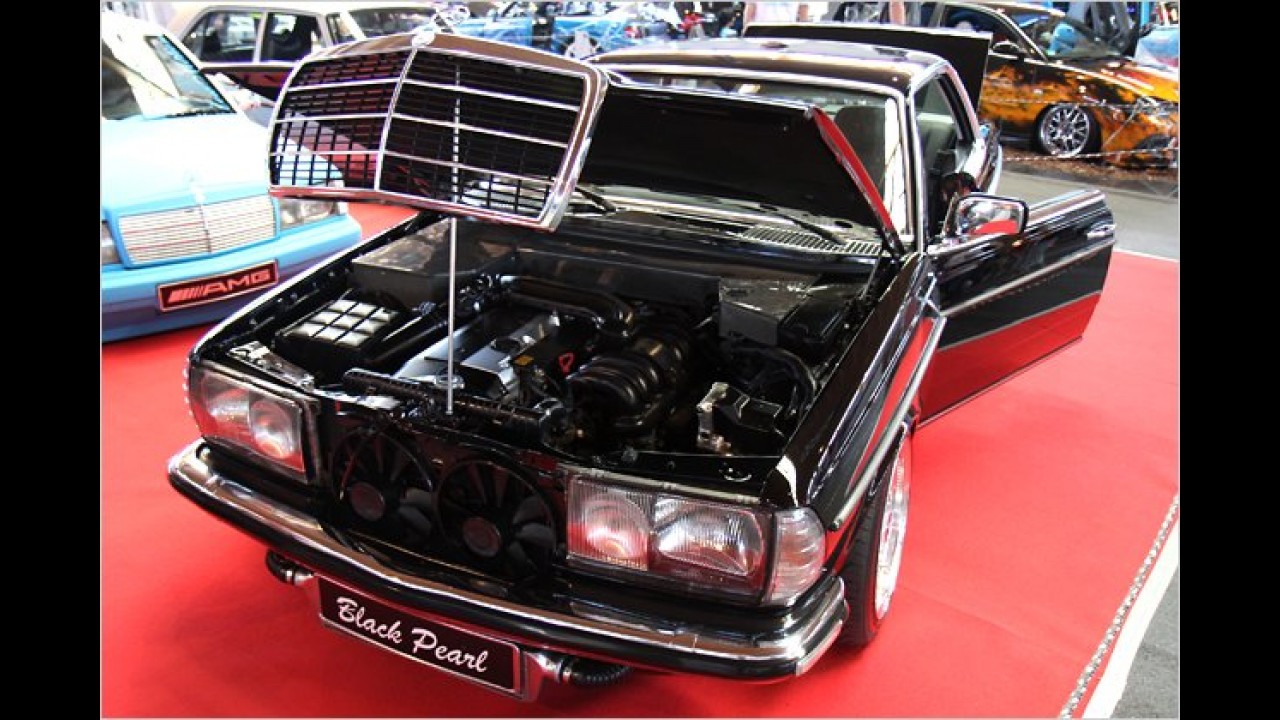 Black Pearl Mercedes W123 Coupé