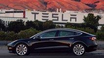O primeiro Tesla Model 3 de produção
