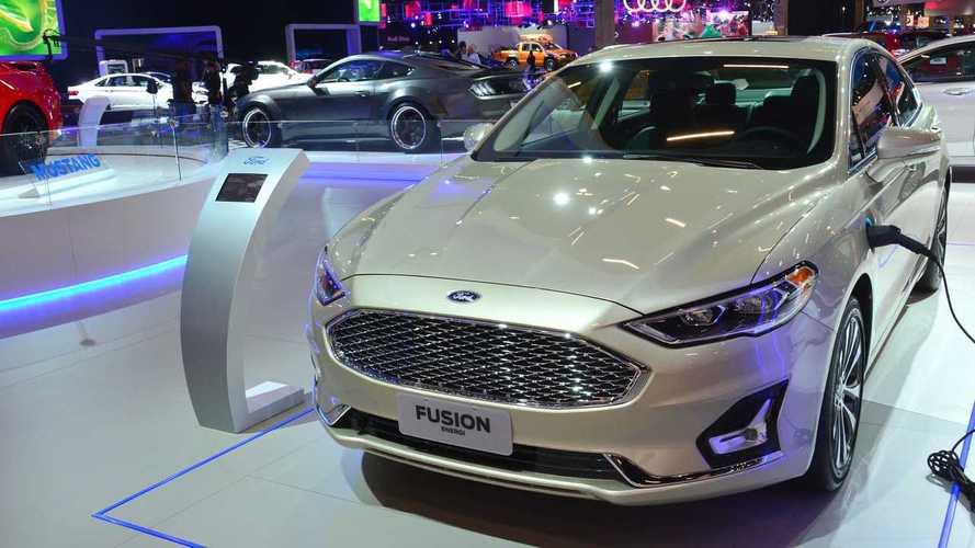 Salão de SP: Fusion que carrega na tomada é mais uma atração da Ford