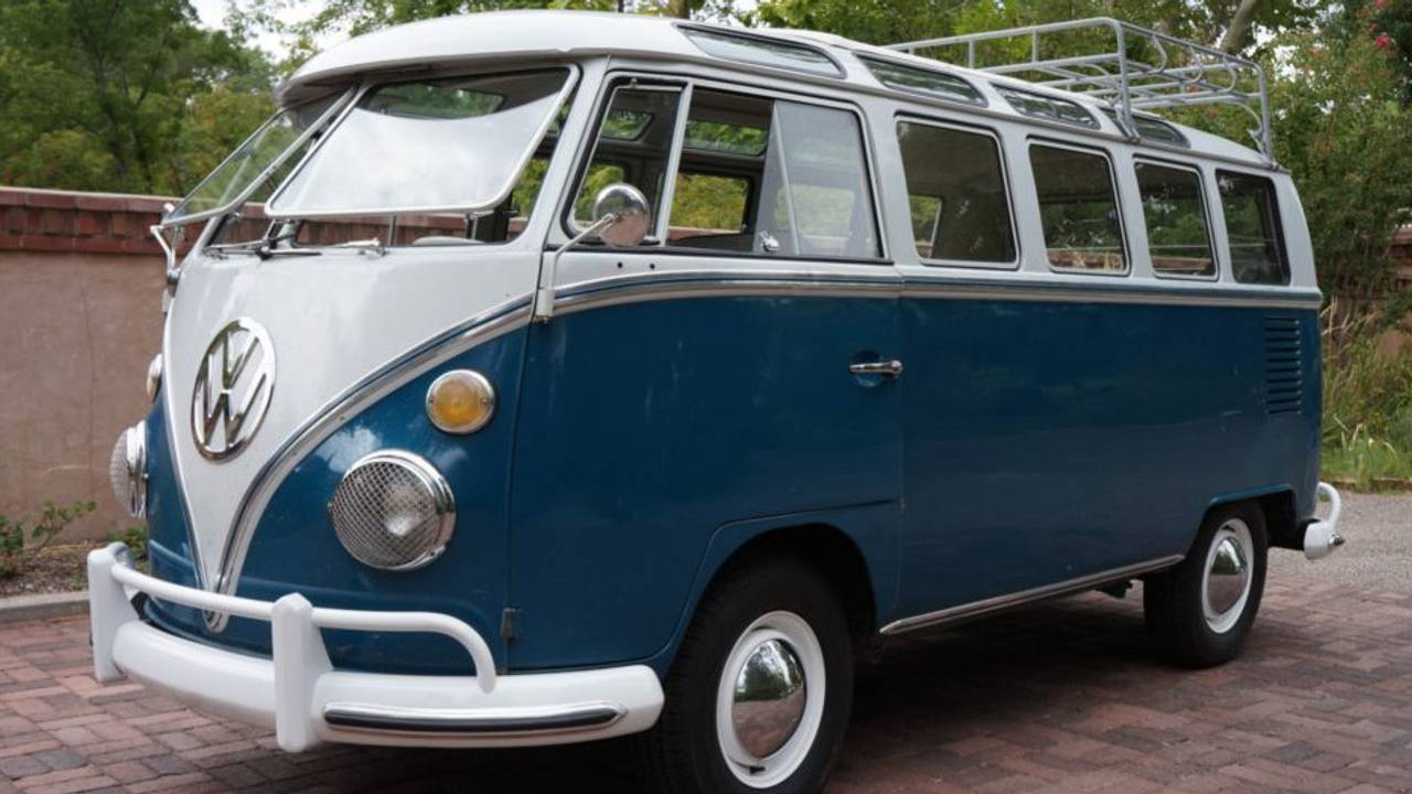 1967 Volkswagen Type 2 21-Window Sunroof Deluxe – current bid at $31,000