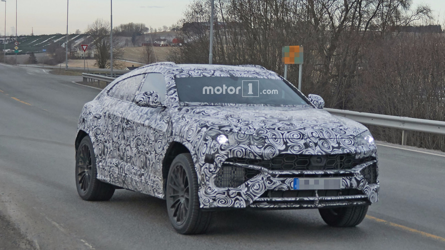 Photos espion - Le Lamborghini Urus livre progressivement ses secrets