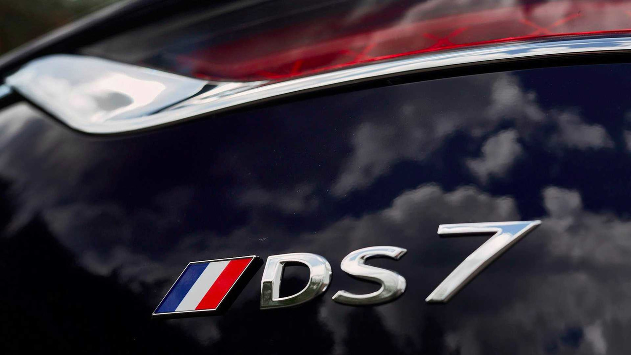 DS 7 Crossback Macron
