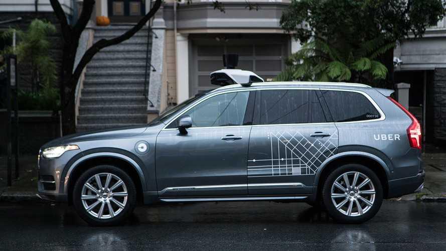 Polícia divulga vídeo do acidente com carro autônomo da Uber