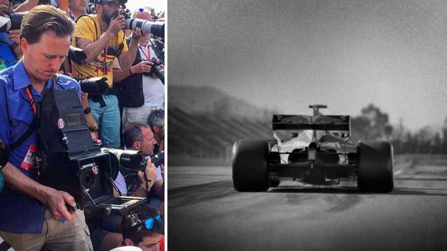 Il photographie la Formule 1 avec un appareil âgé de cent ans