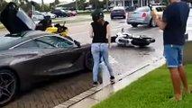 McLaren 720S'e motosikletli saldırısı