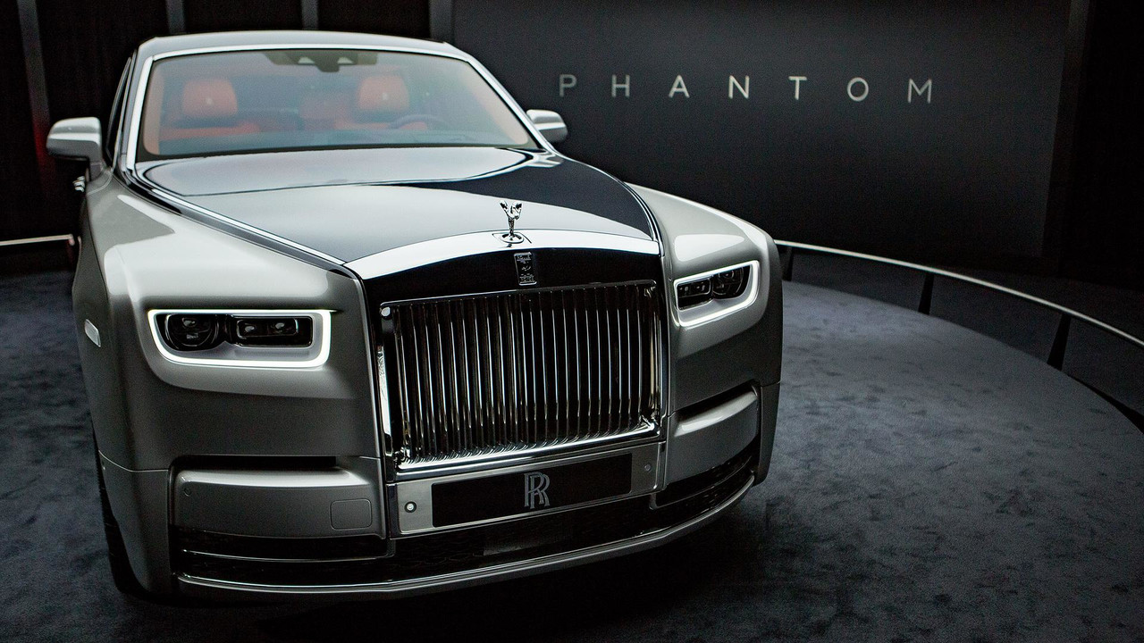 Get Familiar With The 2018 Rolls Royce Phantom In 5 Videos