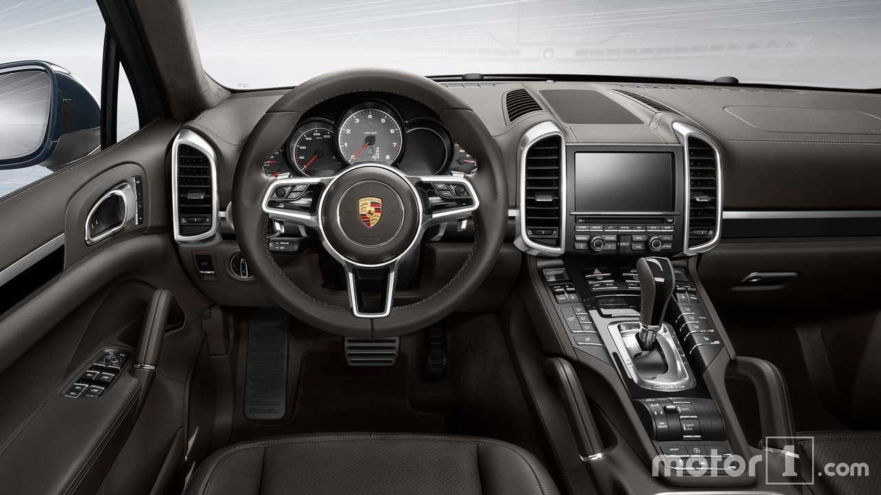 2018 Porsche Cayenne Vs 2017