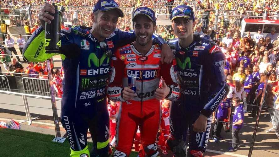 Dovizioso gana MotoGP el día en que la Honda de Márquez revienta