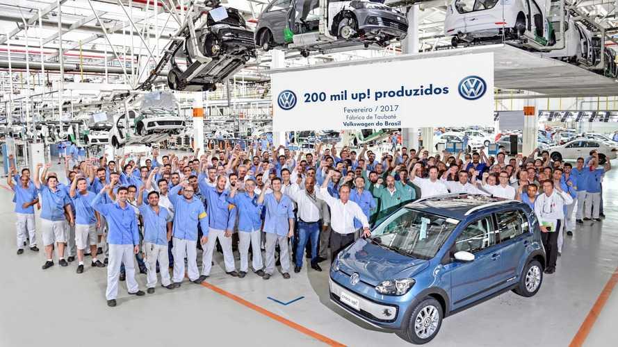 Volkswagen up! chega aos 200 mil fabricados no Brasil