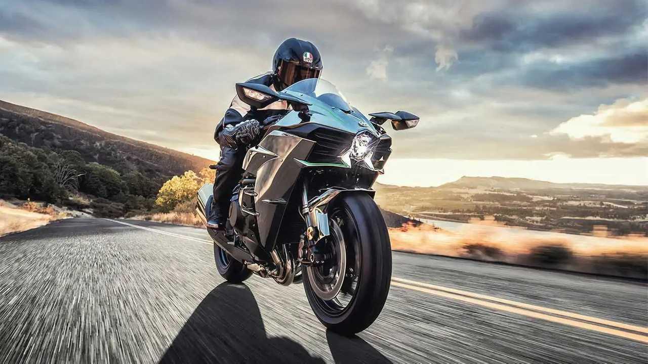 2022 Kawasaki H2 - Right Front Angle View