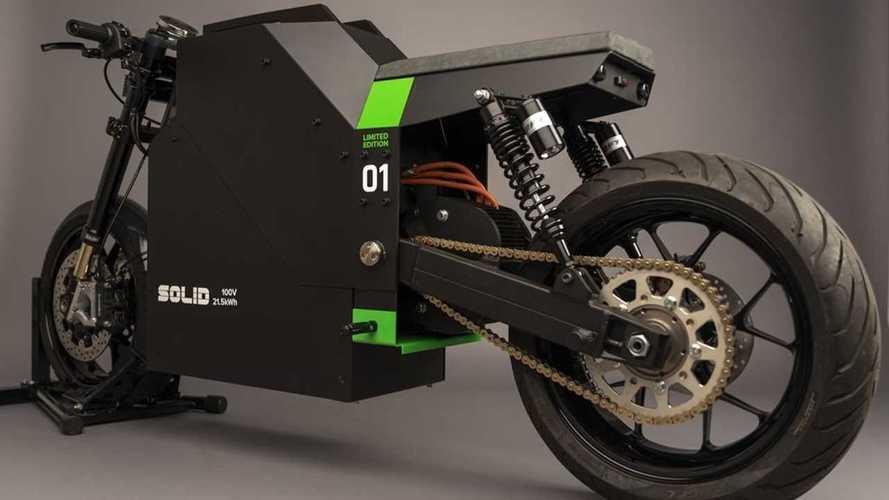 SOLID EV Luncurkan Sepeda Motor Listrik Produksi Perdana CRS-01