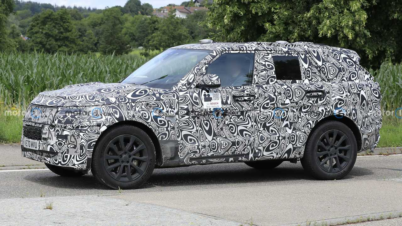 New next-gen Land Rover Range Rover Sport spy photos.