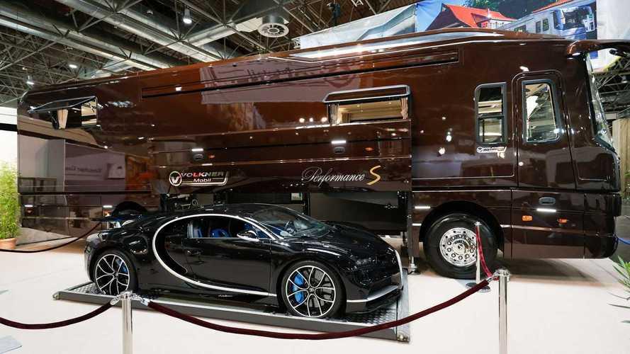 L'incredibile motorhome che può trasportare una Bugatti Chiron