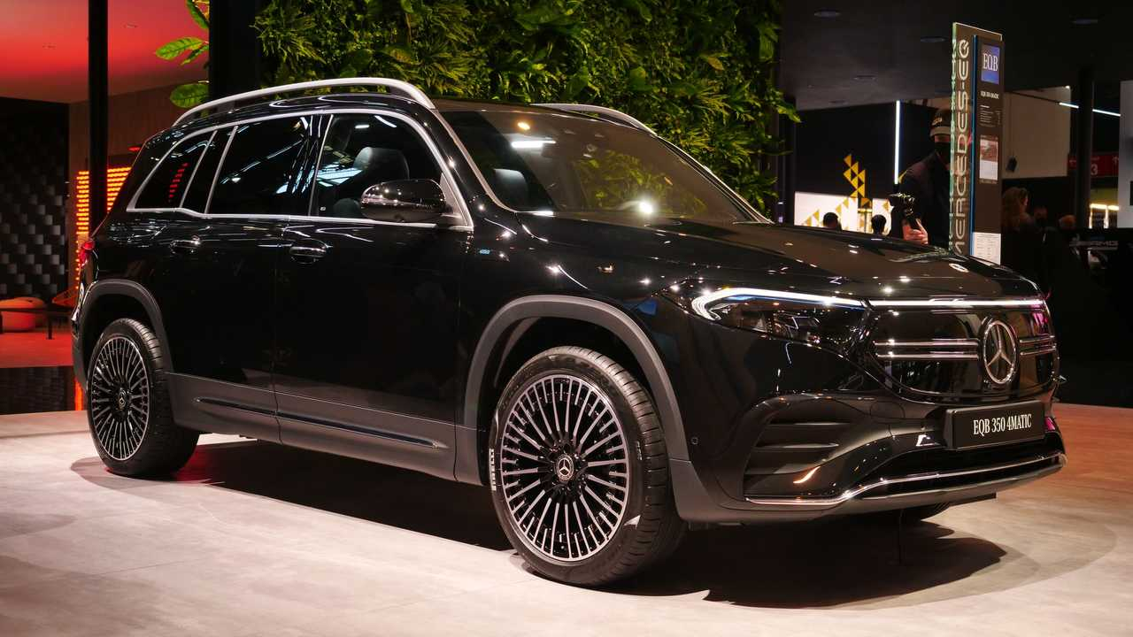 Mercedes-Benz EQB 2021 - Fotos ao vivo