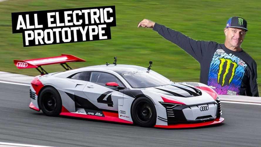 كين بلوك يستعرض عددا من سيارات سباقات أودي