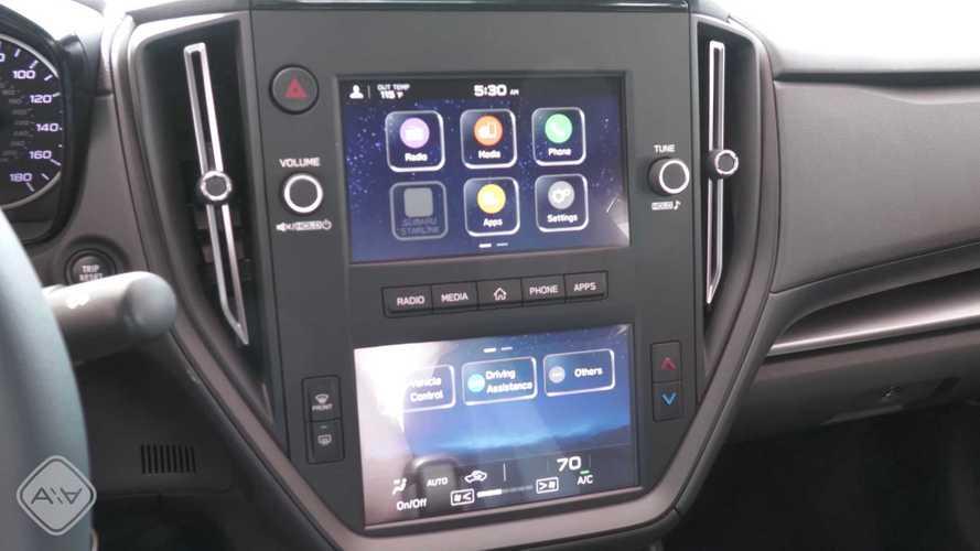 2022 Subaru WRX Base Infotainment Screen Is All Bezel