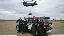 Land Rover Discovery RAF Chinook