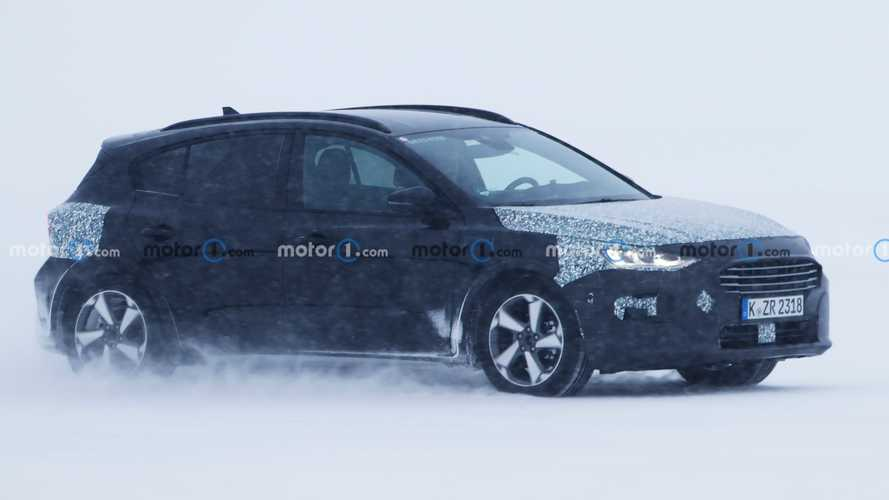Ford Focus spied showing more of its upcoming facelift