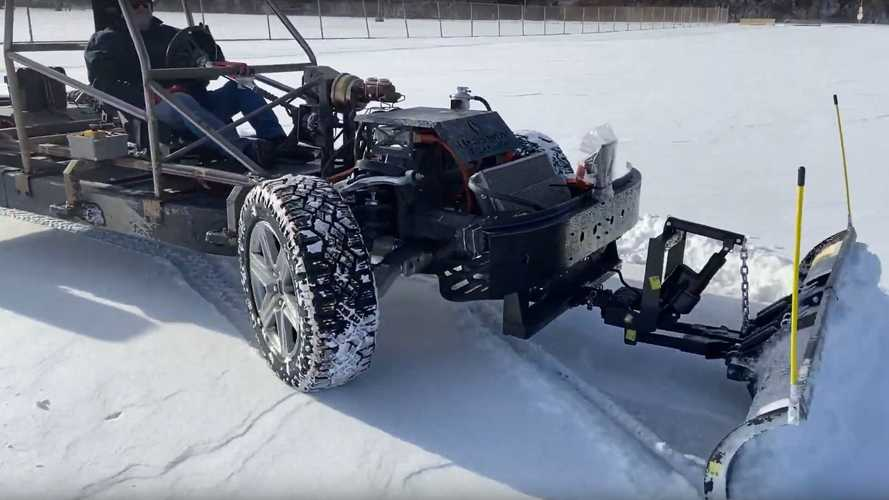 Watch This 4-Wheel Drive Electric Pickup Truck Plow Snow