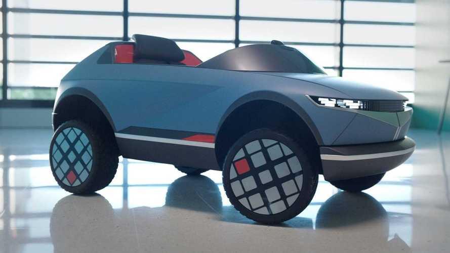 L'auto elettrica più piccola al mondo? La Hyundai (per bambini) di 138 cm