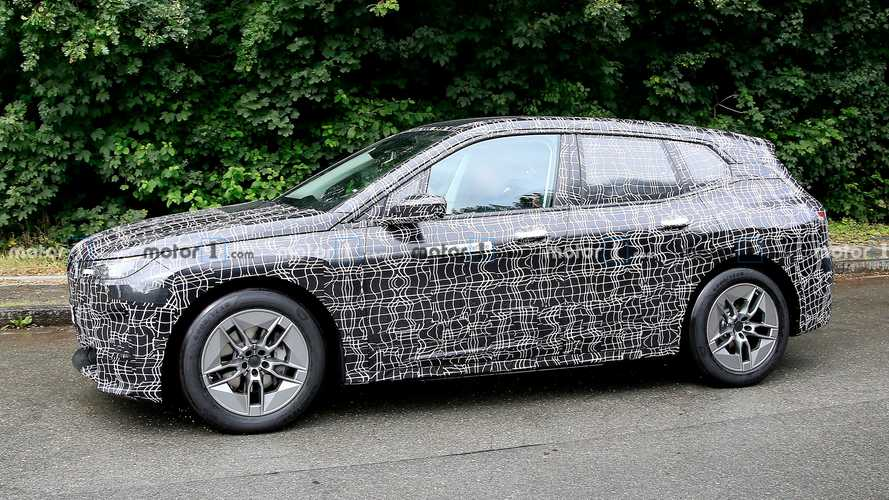 BMW iNext new spy photo (side view)