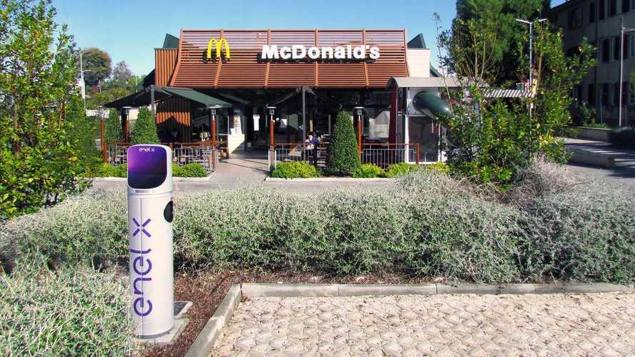 Enel X con McDonald's: nei fast food arrivano 200 punti di ricarica