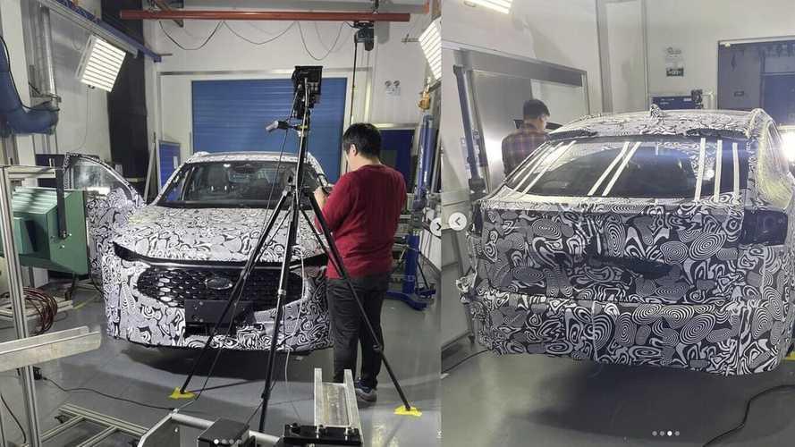 Egy crossover válthatja Európában a Ford Mondeót