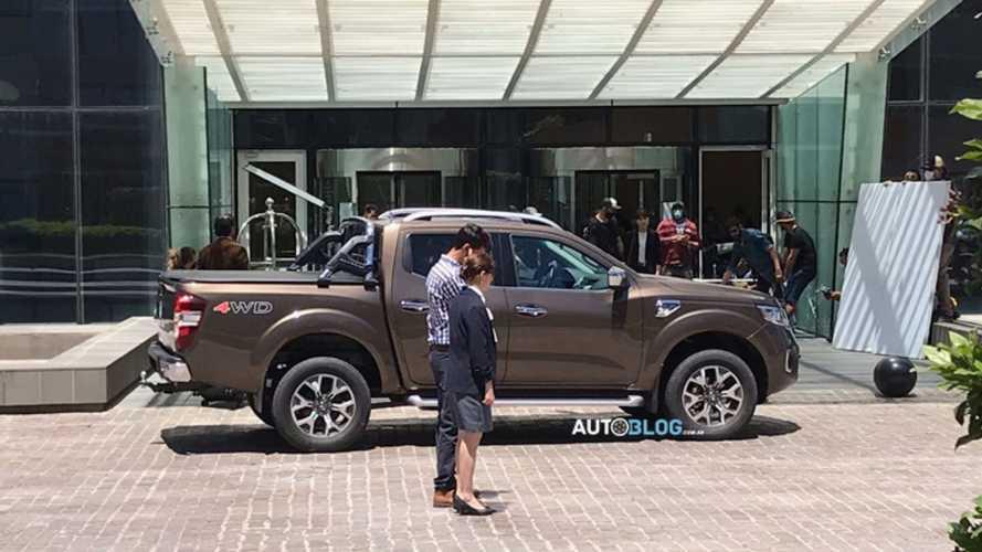 Renault Alaskan grava comercial no Uruguai dias antes do lançamento