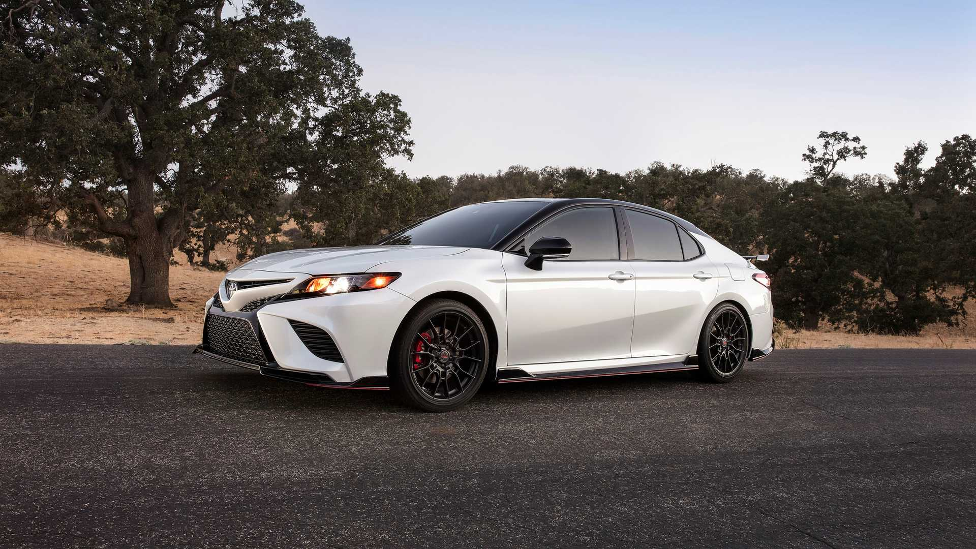 2020 Camry Xse Review.2020 Toyota Camry Trd Costs 31 995 It S The Cheapest Camry V6
