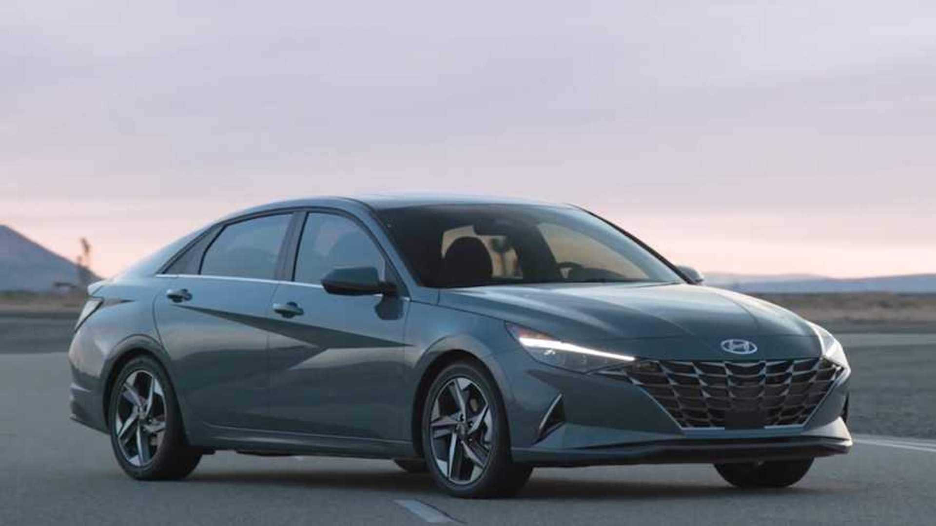 Hyundai Elantra, yeni nesliyle ilk kez hibrit bir ...