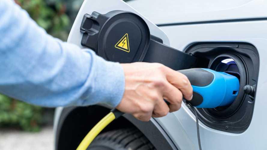 L'auto elettrica rischia davvero così tanto con il Coronavirus?